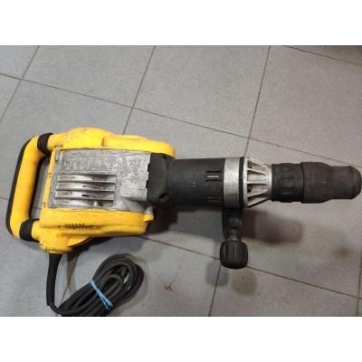 Отбойный молоток DeWalt D25902K Б/У