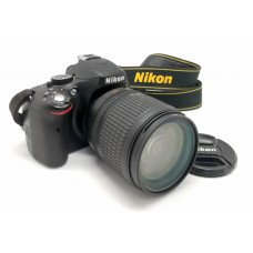 Nikon D5100 18-105